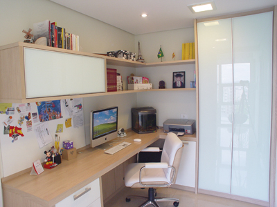 home-office-amplo