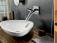 Cubas e torneiras na decoração de lavabos